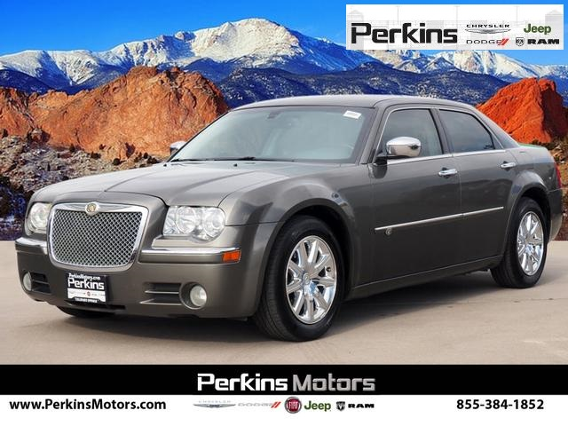 Pre-Owned 2008 Chrysler 300C Hemi